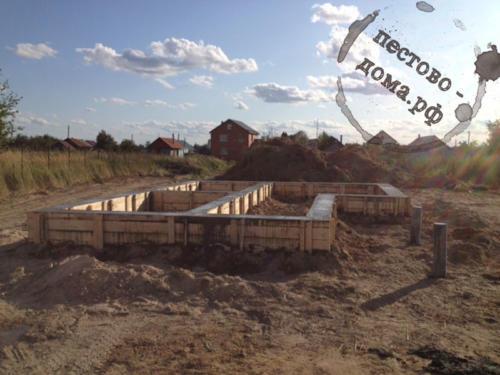 Ленточный бетонированный армированный фундамент 5